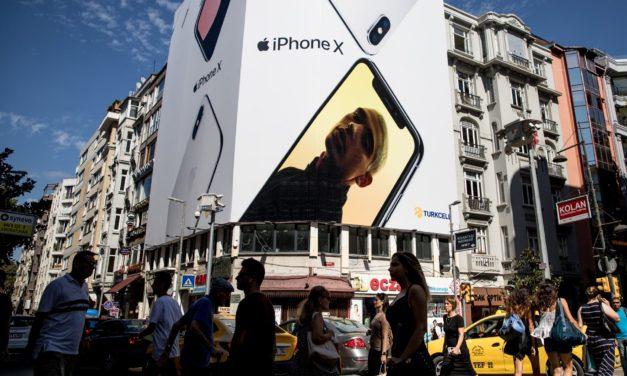 Acțiunile Apple au atins Cele Mai Ridicate cote înainte de lansarea de noi modele de iPhone