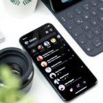 Facebook Messenger Dark Mode este în sfârșit aici – si il poti debloca cu un emoji (sau din setari)