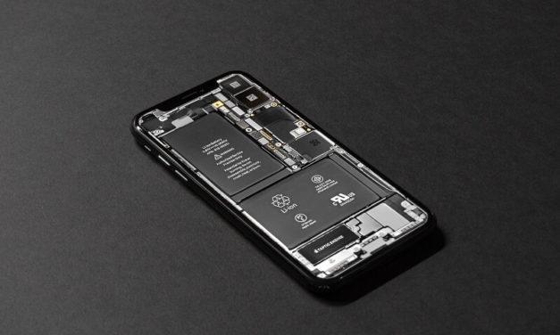 Noua actualizare iPhone dezactiveaza automat caracteristica legata de incetinirea intentionata a acumulatorului